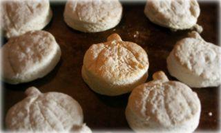Punkin biscuits 001